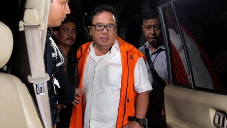 Basuki Hariman saat ditahan KPK