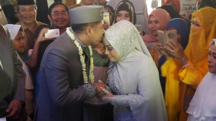 Pernikahan ketiga Muzdalifah dengan Khairil Anwar
