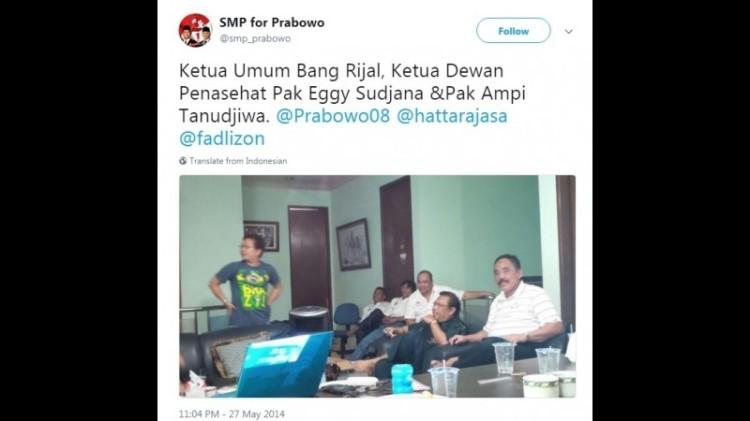 Anggota gerakan Solidaritas Menangkan Prabowo (SMP) berkumpul