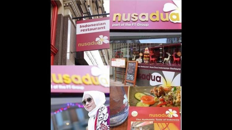 Anniesa Hasibuan memamerkan foto Restoran Nusa Dua London