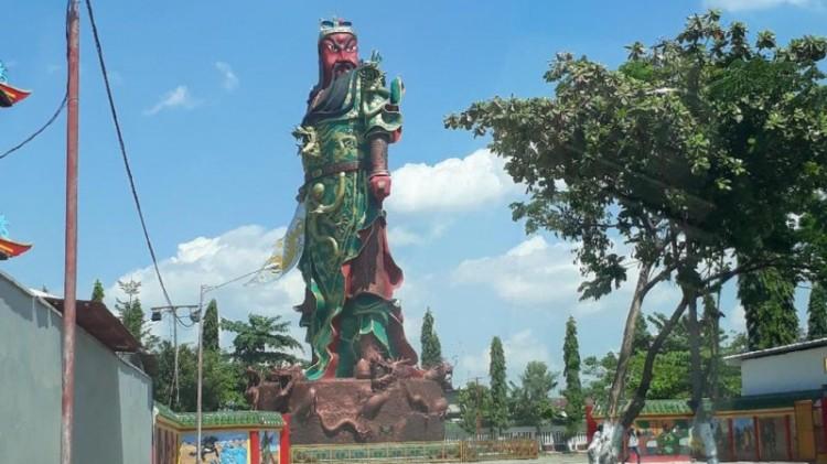 Patung Kwan Sing Tee Koen di Tuban