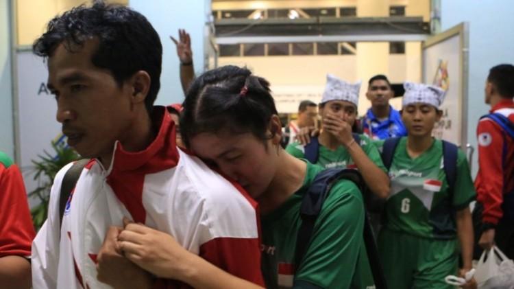 Pemain sepak takraw putri menangis usai WO dari Malaysia