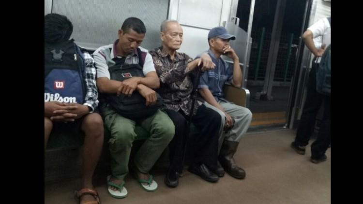 Syafii Maarif naik KRL ke Istana Bogor