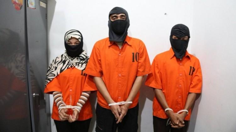 Tiga pelaku sindikat Saracen saat diperkenalkan polisi
