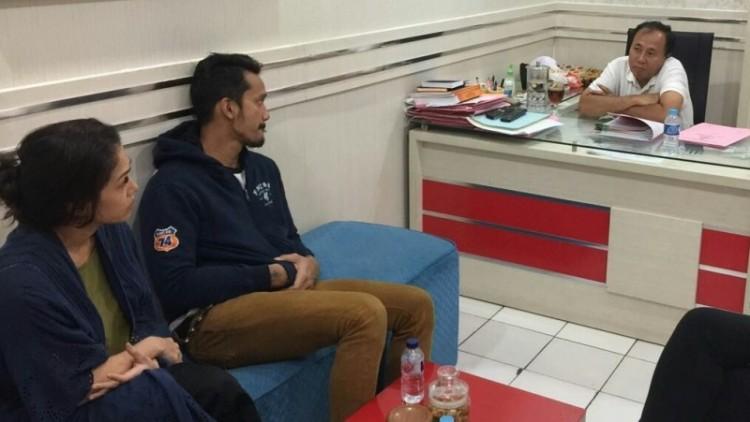 Tora Sudiro dan istrinya, Mieke Amalia diperiksa polisi