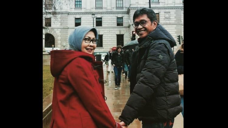 Eddy Rumpoko dan istrinya Dewanti di Inggris