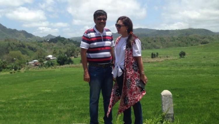Djarot Saiful HIdayat berlibur bersama istri, Happy Farida ke Labuan Bajo