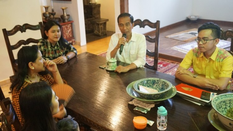Jokowi dan keluarga gelar jumpa pers soal pernikahan Kahiyang