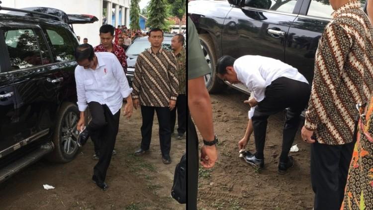 Jokowi membersihkan sepatunya sendiri
