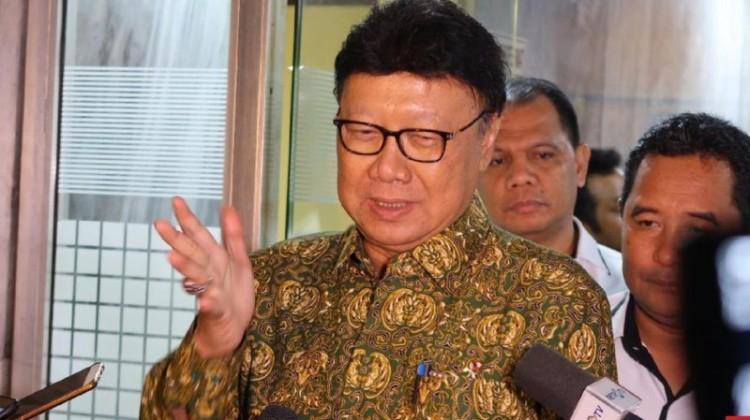 Mendagri Tjahjo Kumolo mengusulkan praja IPDN dididik ala militer
