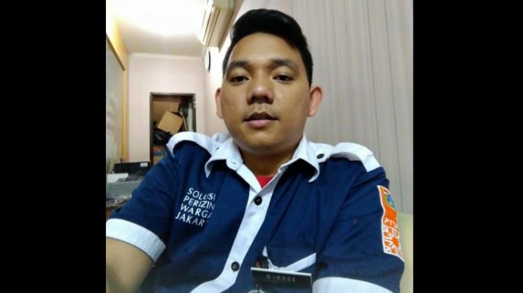 Muhammad Imron, petugas Kelurahan Kota Bambu Utara