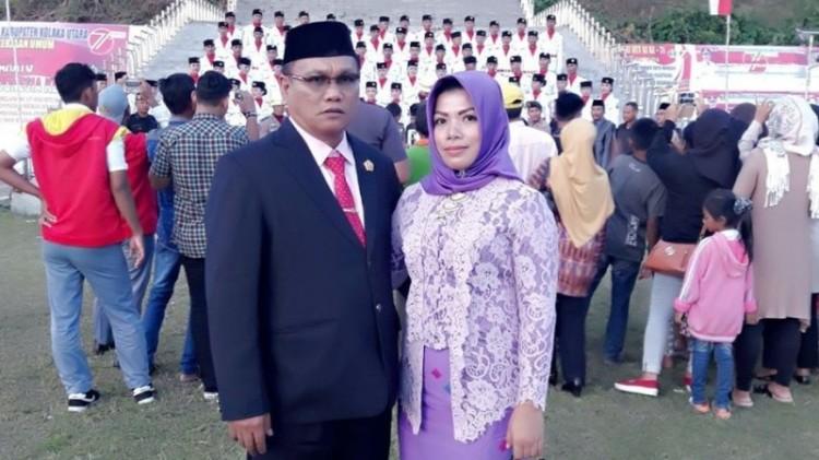 Musakkir Sarira dan istrinya, Andi Erni Astuti