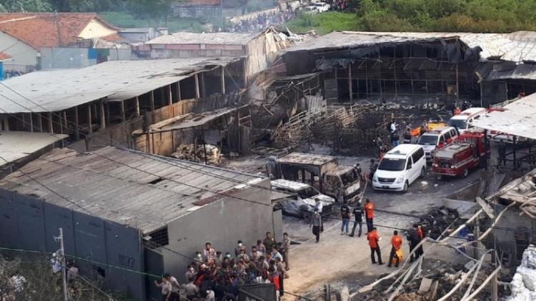 Penampakan bagian dalam pabrik petasan di Kosambi yang meledak