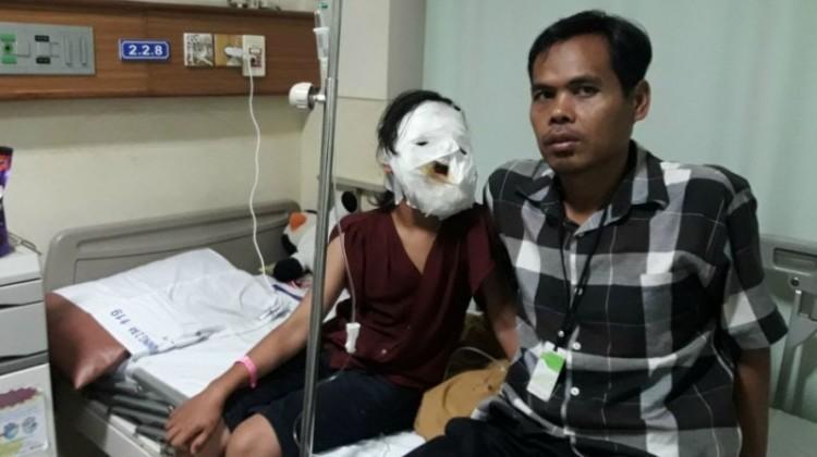 Rachel Herliani dan ayahnya, Kusdinan di RSHS Bandung