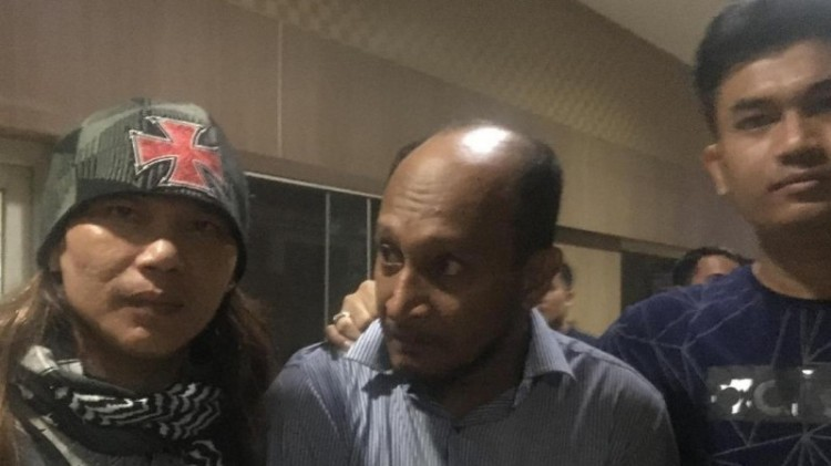 dr Helmi (tengah) di Mapolda Metro Jaya