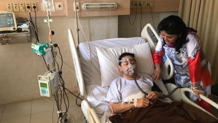 Foto Setnov terbaring di rumah sakit yang dijadikan meme