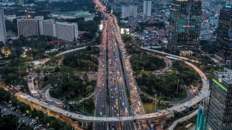Jembatan Susun Semanggi menggunakan dana kompensasi KLB