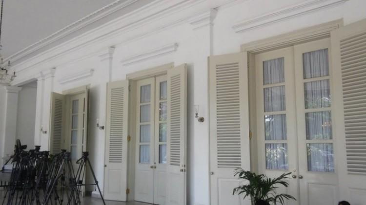 Jendela Balai Kota DKI ditutup gorden