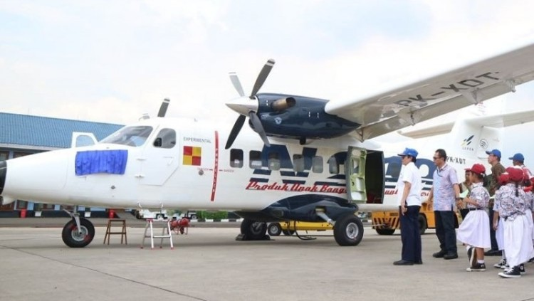 Jokowi Beri Nama Nurtanio ke Pesawat N219