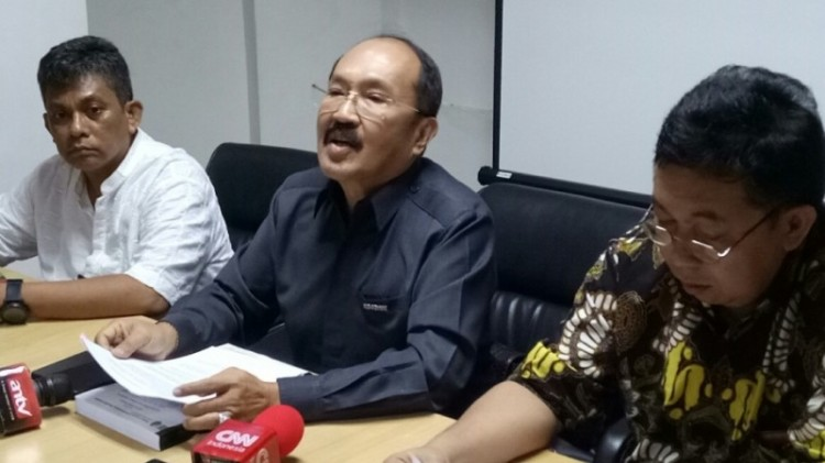 Kuasa Hukum Setya Novanto Fredrich Yunadi di kantornya