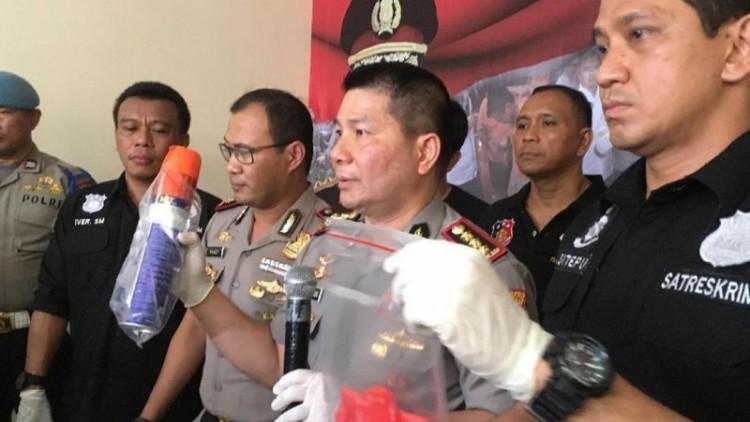 Polisi tunjukkan barang bukti pembunuhan