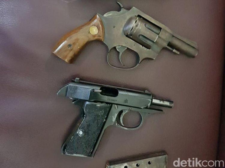 Senjata api yang digunakan dr Helmi