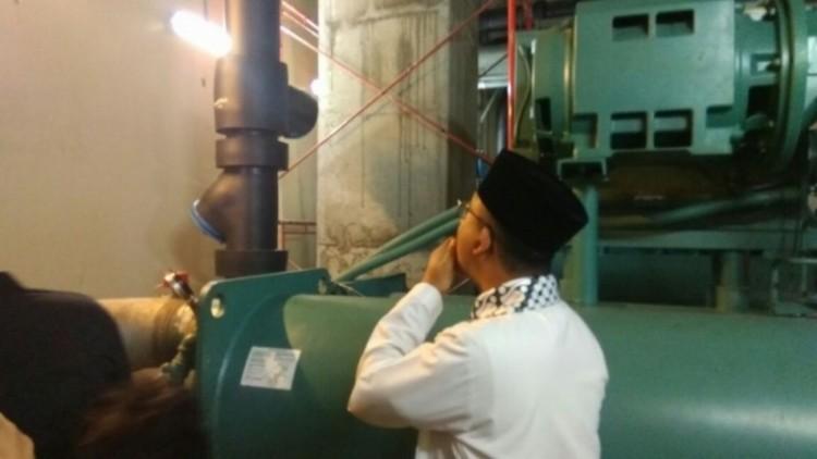 Anies menyebut gedung DPRD DKI miring