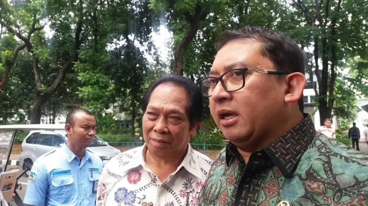 Fadli Zon (kanan) bersama Anton Sihombing