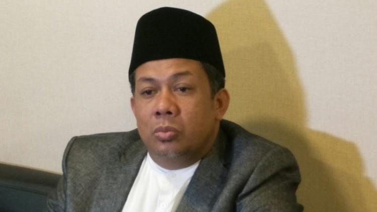 Fahri Hamzah di Kompleks Parlemen