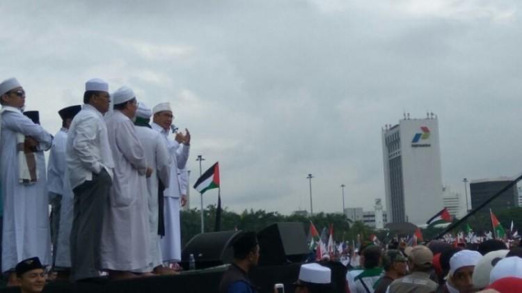 Menteri Agama Lukman Hakim Saifuddin saat berorasi di Monas
