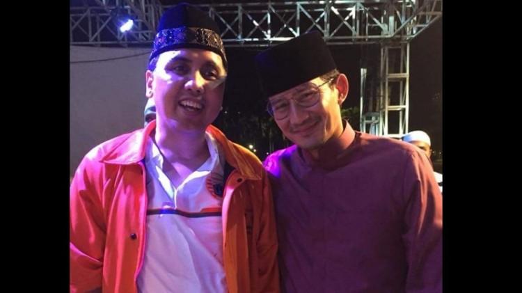 Sandiaga Uno dan Gugun Gondrong menghadiri HUT Jakmania