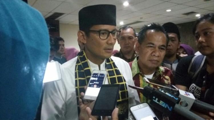 Sandiaga Uno di Kantor Dinas Pendidikan DKI Jakarta