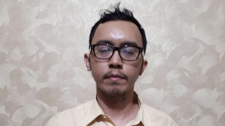 Ilham Sanin, pemotor peremas payudara di Depok