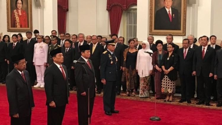 Jokowi Melantik Idrus Marham, Moeldoko, Agum Gumelar, dan KSAU Baru