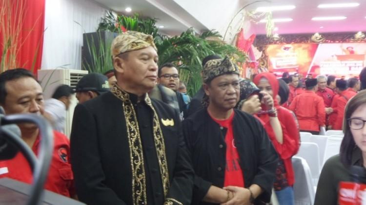 Mayjen TNI (Purn) TB Hasanuddin dan Irjen (Pol) Anton Charliyan