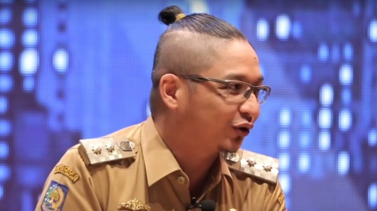 Model rambut Pasha Ungu yang dikritik
