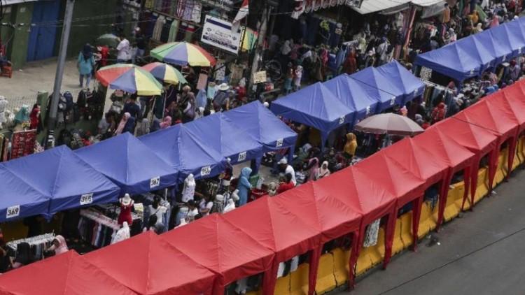 PKL menempati Jalan Jatibaru Tanah Abang