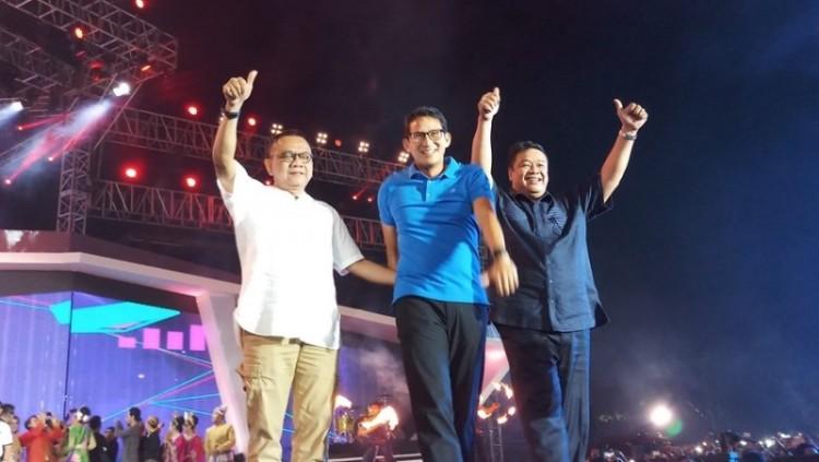 Sandiaga Uno saat merayakan Tahun Baru 2018 di Ancol