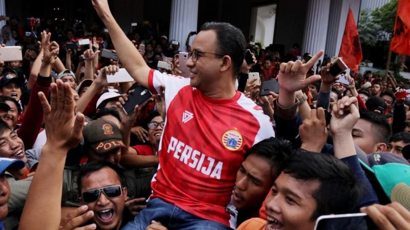 Di Hadapan Jakmania, Anies Kembali Janjikan Bangun Stadion