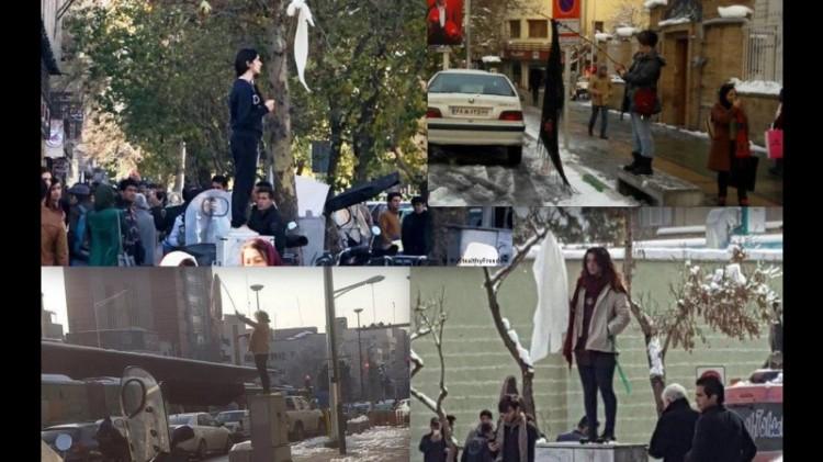 Beberapa wanita melakukan aksi lepas kerudung di Iran