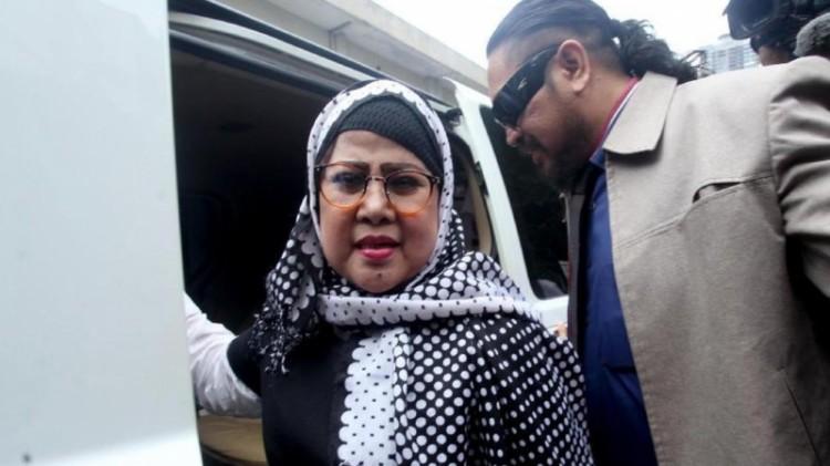Elvy Sukaesih tiba di Polda Metro Jaya