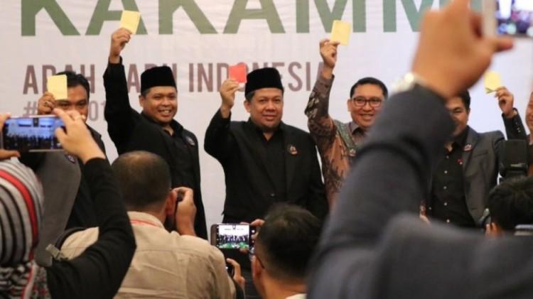 Fahri Hamzah beri kartu merah ke Jokowi