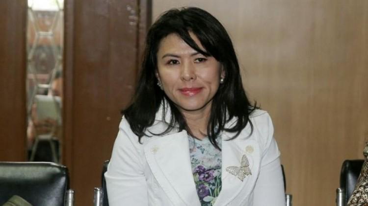 Fifi Lety Indra di PN Jakut