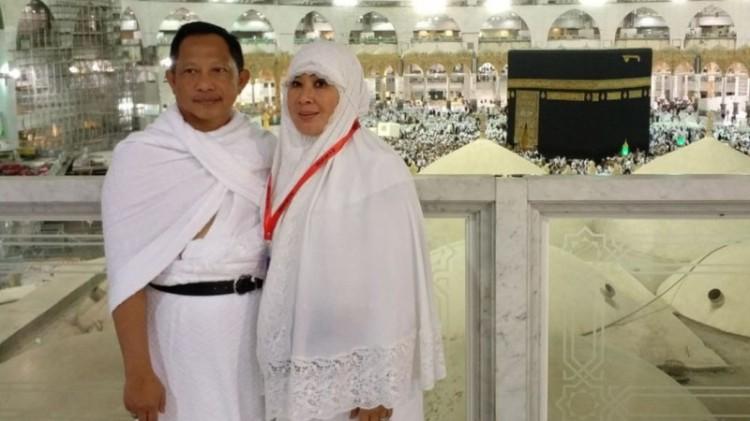 Kapolri Jenderal Tito Karnavian dan istri di Mekkah
