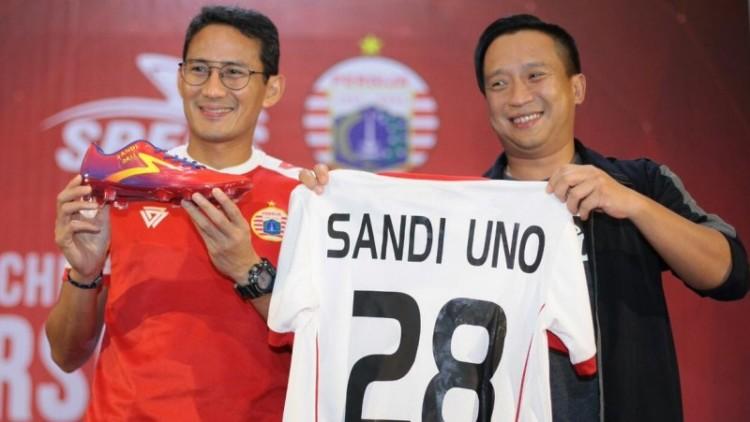 Sandiaga Uno saat peluncuran jersey dan apparel Persija
