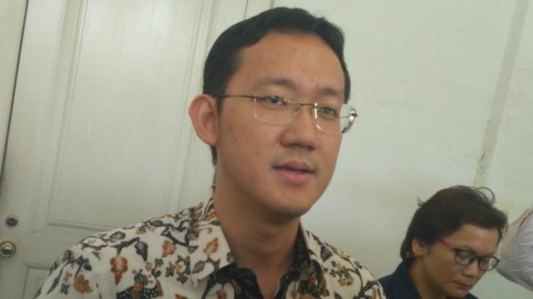 Sunny Tanuwidjaja di Balai Kota
