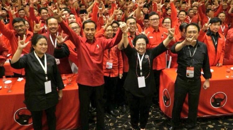 Jokowi dan Megawati saat acara deklarasi capres