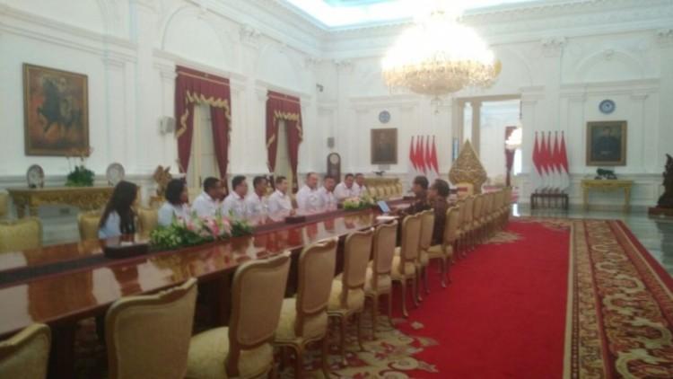 Pengurus Partai Perindo bertemu Jokowi di Istana