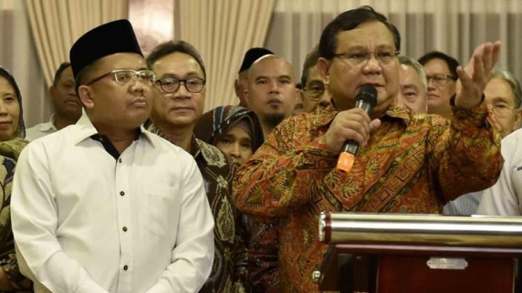 Presiden PKS Sohibul Iman dan Prabowo Subianto