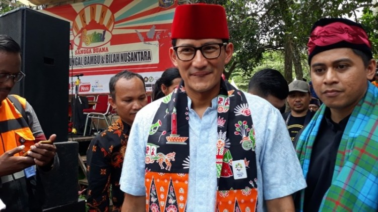 Sandiaga Uno saat menghadiri Festival Sangga Buana